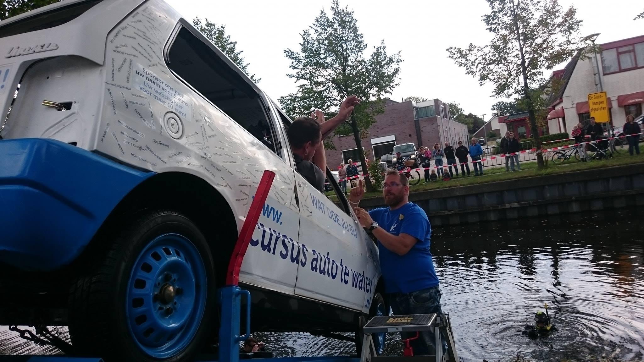 Cursus Auto te water